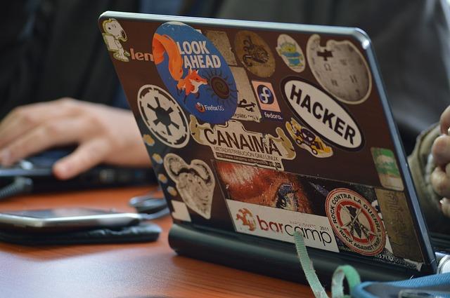 Hacker bei der Arbeit (genesis_3g/pixabay.com)