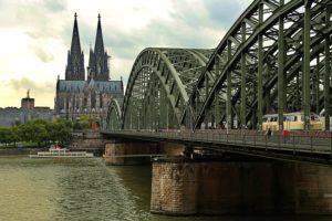 Kölner Ansicht (akufersoft/pixabay.com)