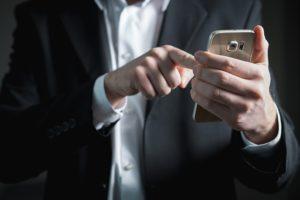 Spam-Anrufe: Millionenstrafe für Adrian Abramovich?