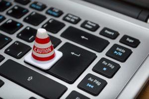 E-Mail vom Ortsamt spioniert sie aus (ferarcosn/pixabay)