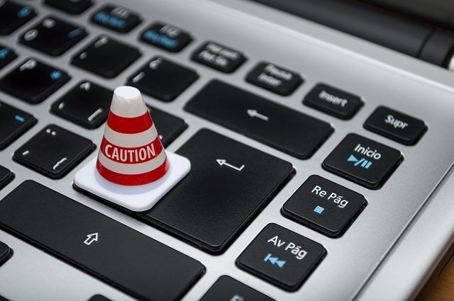 E-Mail vom Handelsverband Bayern? Vorsicht! (ferarcosn/pixabay)