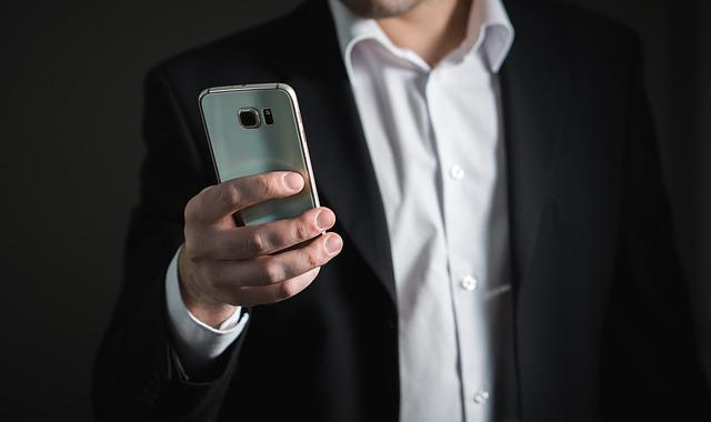 +49 172 2233485: Achtung, Fake Vodafone-Mitarbeiter! (TeroVesalainen/pixabay)