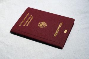 Achtung, Reisepass-Betrug derzeit aktuell (webandi/pixabay)