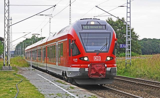 Vorsicht vor Deutsche-Bahn-Phishing! (hpgruesen/pixabay)