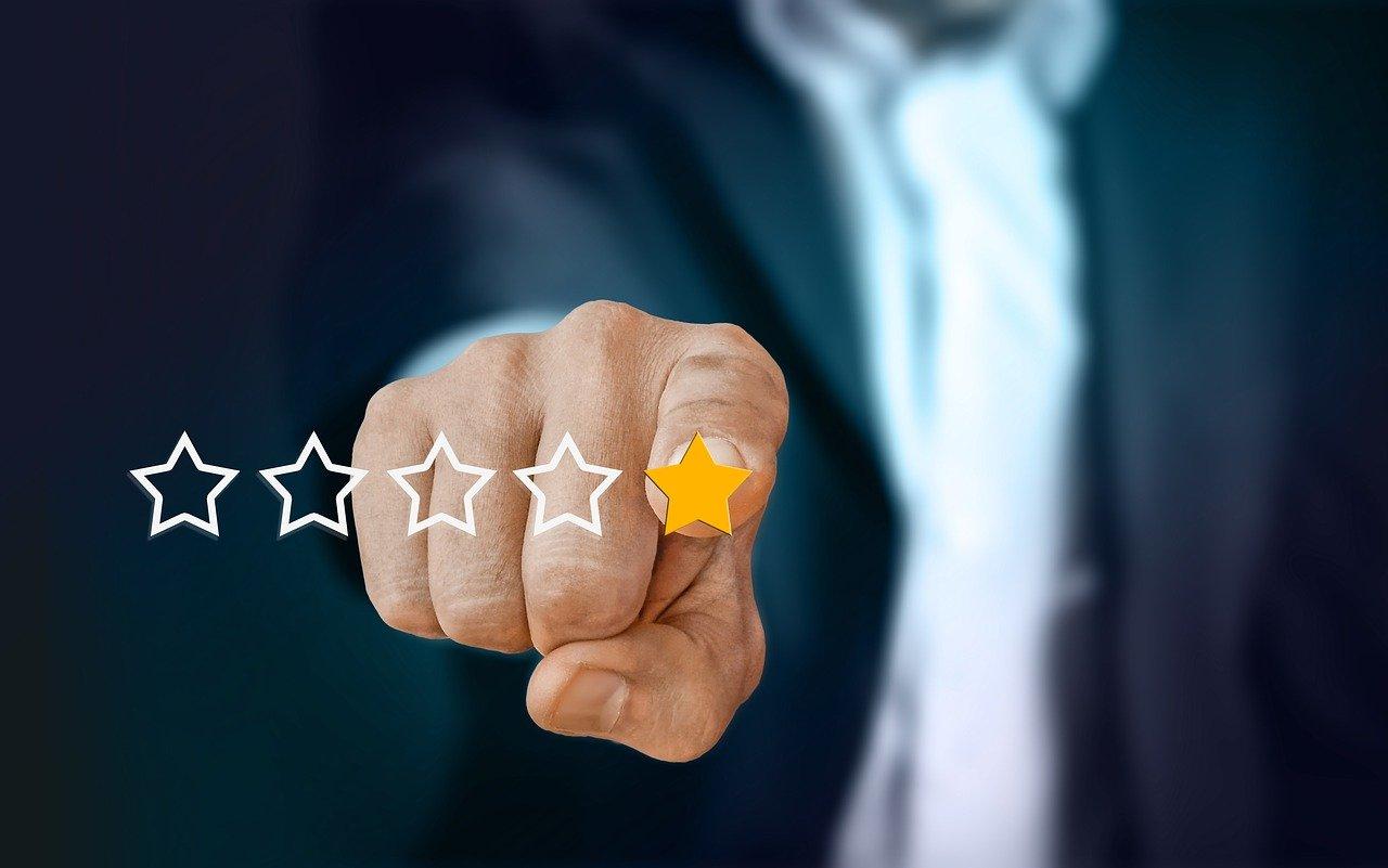 Ausschau nach Zertifizierungen und Bewertungen halten